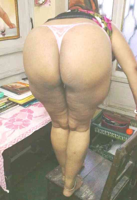 Batter recomended naked pak aunty ass