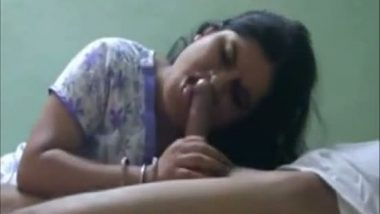 Amazing bhabi sucking lover dick